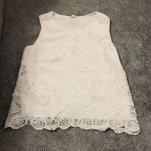White macrame tank top with scalloped bottom